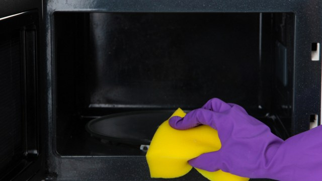 How to clean a microwave with vinegar and other hacks - TODAY