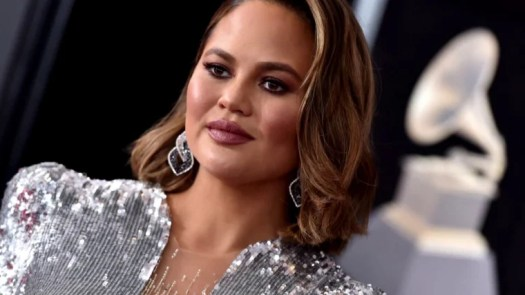 John Legend says fashion designer fabricated messages from Chrissy Teigen 2