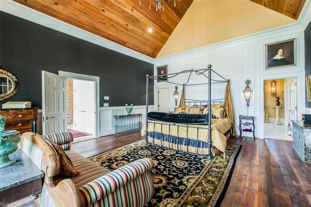 Smithfield home, bedroom