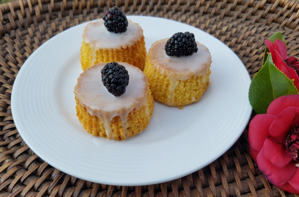 'Game of Thrones' Recipes: Sansa's Lemon Cakes and Feast Day Roast Fowl