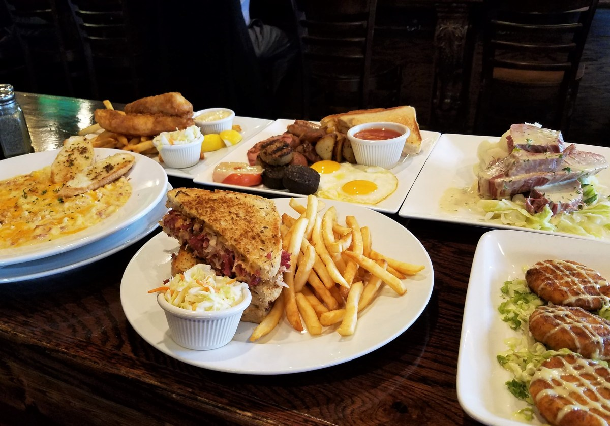 Celtic House, mac and cheese, corned beef, Reuben, potato cakes, Irish breakfast