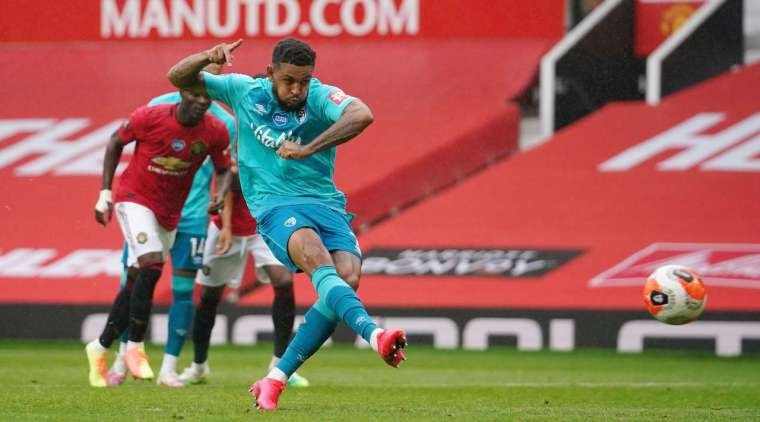 Penalty - 3: 2 - 49 'King J. (Penalty), Bournemouth. Goal! Joshua King (Bournemouth) won the battle of characters and confidently outplayed David De Gea, powerfully breaking a penalty on the right side of the goal.