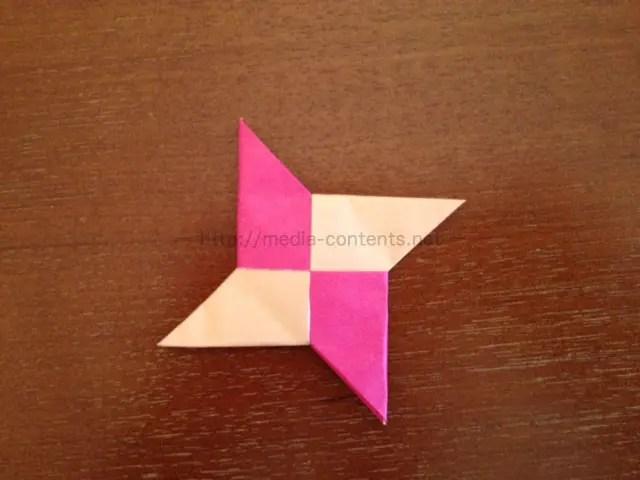 折り紙で手裏剣!子供も作れる簡単な折り方!
