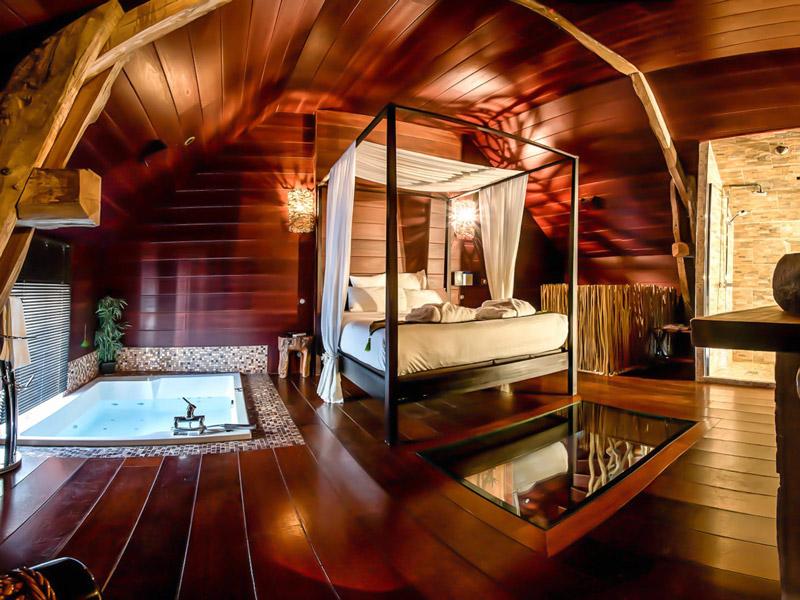 Week End Romantique Votre Chambre D Hotel Avec Jacuzzi Prive En France