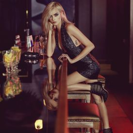 cara-delevingne-jimmy-choo-2017-holiday-10