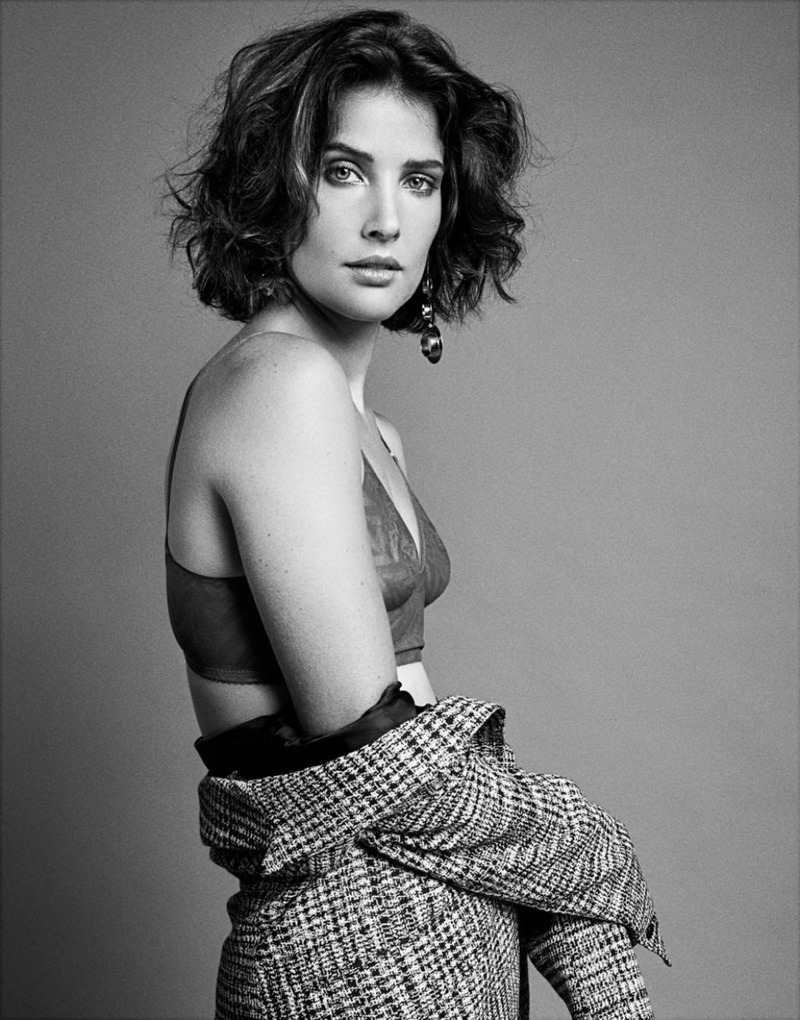 cobie-smulders-sbjct-journal-12-2017-8