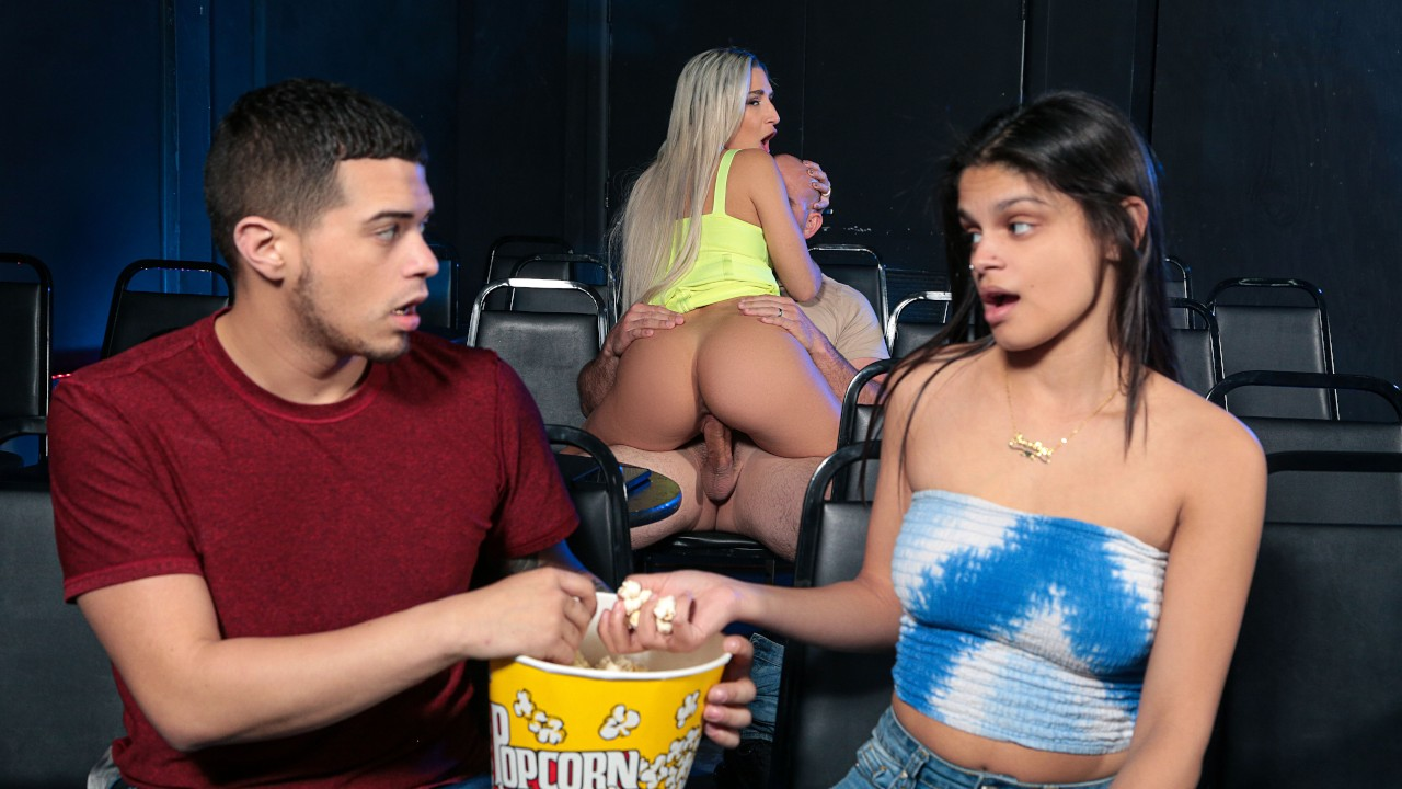 Abella Danger – The Pirate Gets The Booty [Reality Kings]