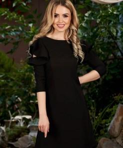 Rochie LaDonna neagra cu croi in a de zi din stofa usor elastica cu volanase la maneca