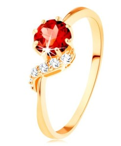 Bijuterii eshop - Inel din aur 375 - garnet rotundade culoare rosie, linie ondulat? stralucitoare GG116.38/39 - Marime inel: 57