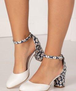 Pantofi albi decupati cu imprimeu floral cu margarete in partea din spate