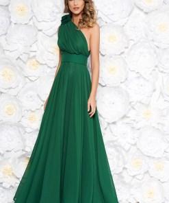 Rochie Ana Radu verde de lux in clos din voal pe umar accesorizata cu cordon si aplicatii florale