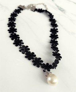 Colier dama ieftin negru din material textil dantelat cu medalion perla
