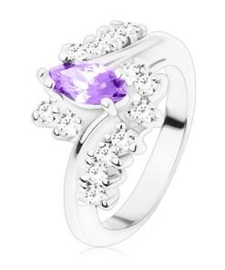 Inel de culoare argintie, zirconiu violet închis în formă de bob fațetat, linii din zirconiu transparent