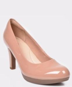Pantofi CLARKS nude, Adriel Viola, din piele naturala lacuita