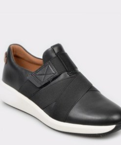 Pantofi CLARKS negri, Un Rio Strap, din piele naturala