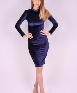 Rochie de catifea albastra mulata pe corp