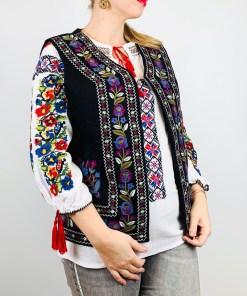 Vesta brodata cu model Traditional Suzana 16 - L