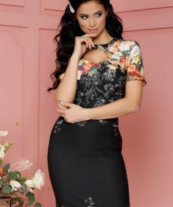 Rochie Eleonora neagra cu imprimeuri florale orange si decupaj la decolteu
