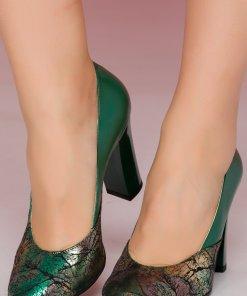Pantofi verzi cu imprimeu metalizat pe varf si toc lacuit