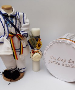 Set Traditional Botez - Costumas baietel Cutie pentru trusou Lumanare 2