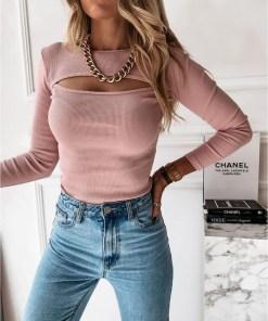 Bluza dama basic roz reiata cu decolteu decupat