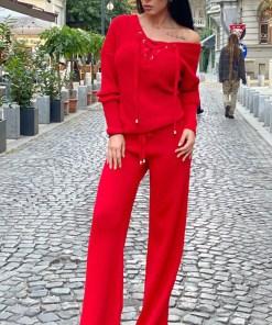 Compleu rosu dama tricotat cu bluza petrecuta si pantalon evazat (Selecteaza Marime: Universala)