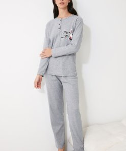 Pijama cu imprimeu text si grafic 3336795