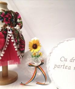 Set Traditional Botez - Costumas fetita Cutie pentru trusou Lumanare TUL