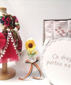 Set Traditional Botez - Costumas fetita Trusou Cutie pentru trusou Lumanare TUL