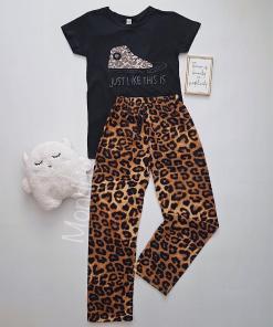 Pijama dama ieftina bumbac lunga cu pantaloni animal print si tricou negru cu imprimeu Tenis Just like this
