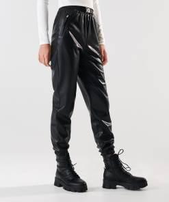 Sinsay - Pantaloni jogger din piele ecologică - Negru