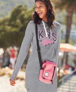 KangaROOS Sweatkleid mit großem, gummiertem Print und vielen Details