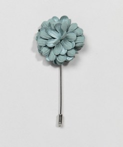 Burton Menswear - Wedding - Blumen-Krawattennadel in Staubgrün - Grün