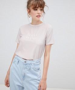 New Look - Be Cool Be Kind - T-Shirt mit Schriftzug in Metallic - Rosa