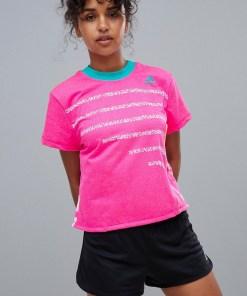 adidas - Hochgeschlossenes Tennis-T-Shirt in Pink - Rosa