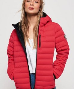 Superdry Steppjacke »CONTAK DOWN STRETCH JACKET« mit modischen Kontrastdetails rot