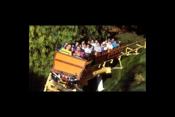 Six Flags Magic Mountain discount tickets Undercover Tourist