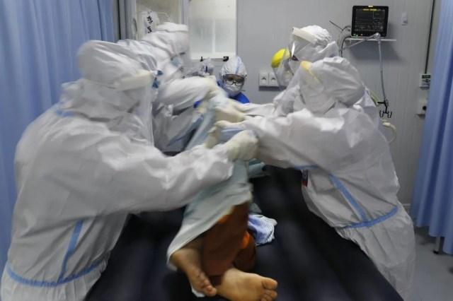 Preocupación en el gobierno por la falta de oxígeno medicinal en las terapias intensivas.