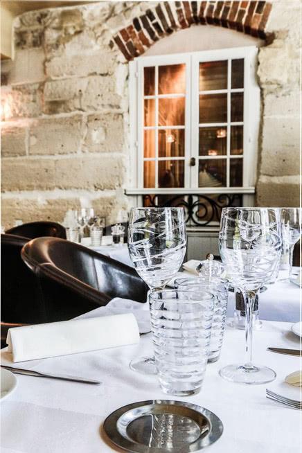 La Table Du Palais Royal : table, palais, royal, Table, Palais, Royal, Salles
