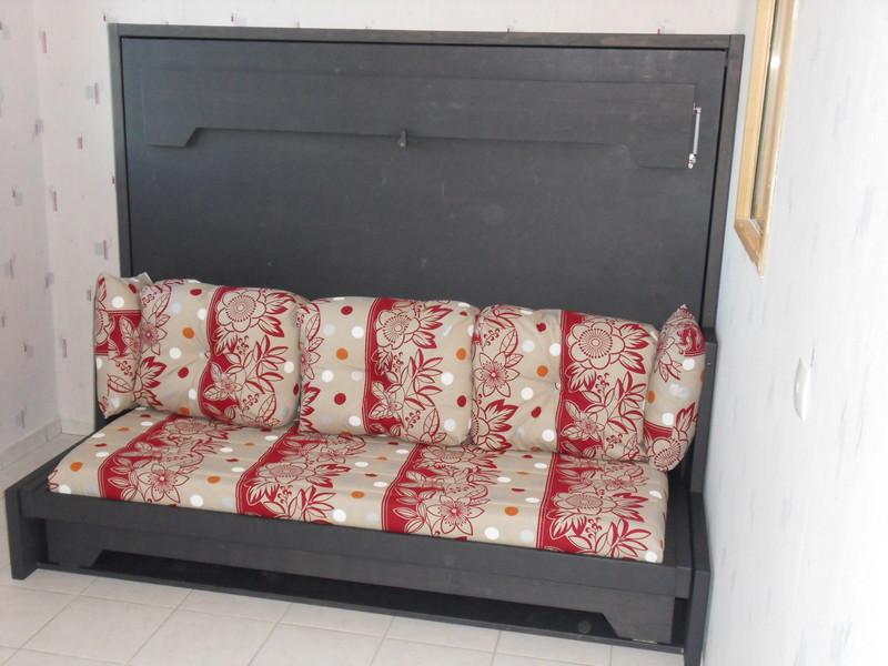 lit relevable horizontal avec banquette