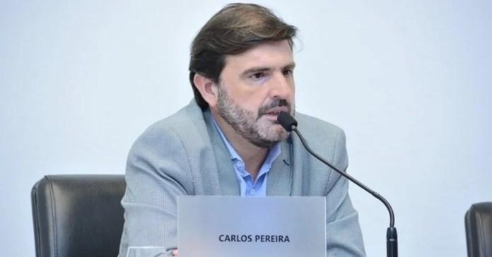 """Según expresa Pereira en los fundamentos de la propuesta, """"esta medida permitiría que los establecimientos gastronómicos puedan trabajar cómodamente un recambio de mesas"""