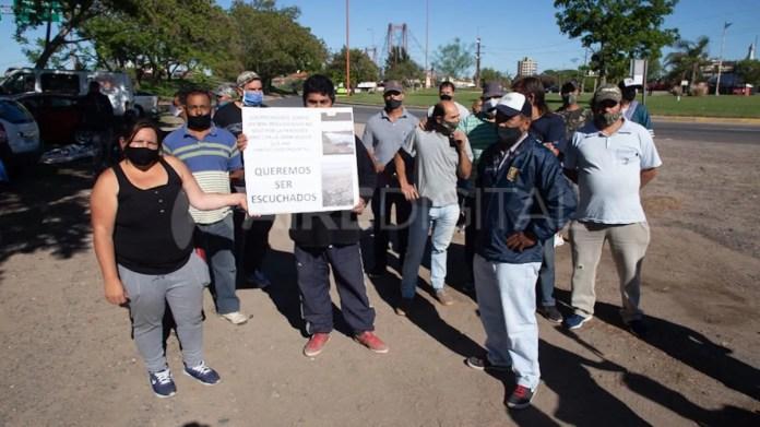 Pescadores reclamaron al gobierno provincial ser escuchados y amenazaron con realizar cortes en diferentes puntos de la provincia.