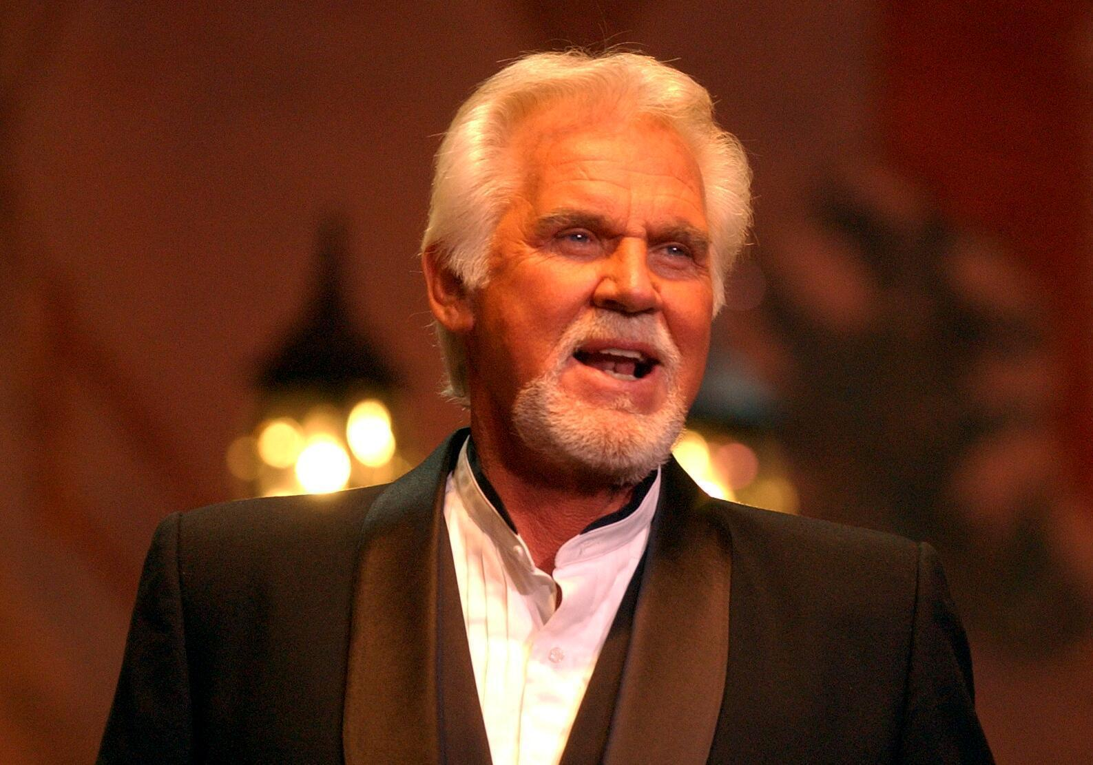 Kenny Rogers To Be Honored As Cmt Artist Of A Lifetime