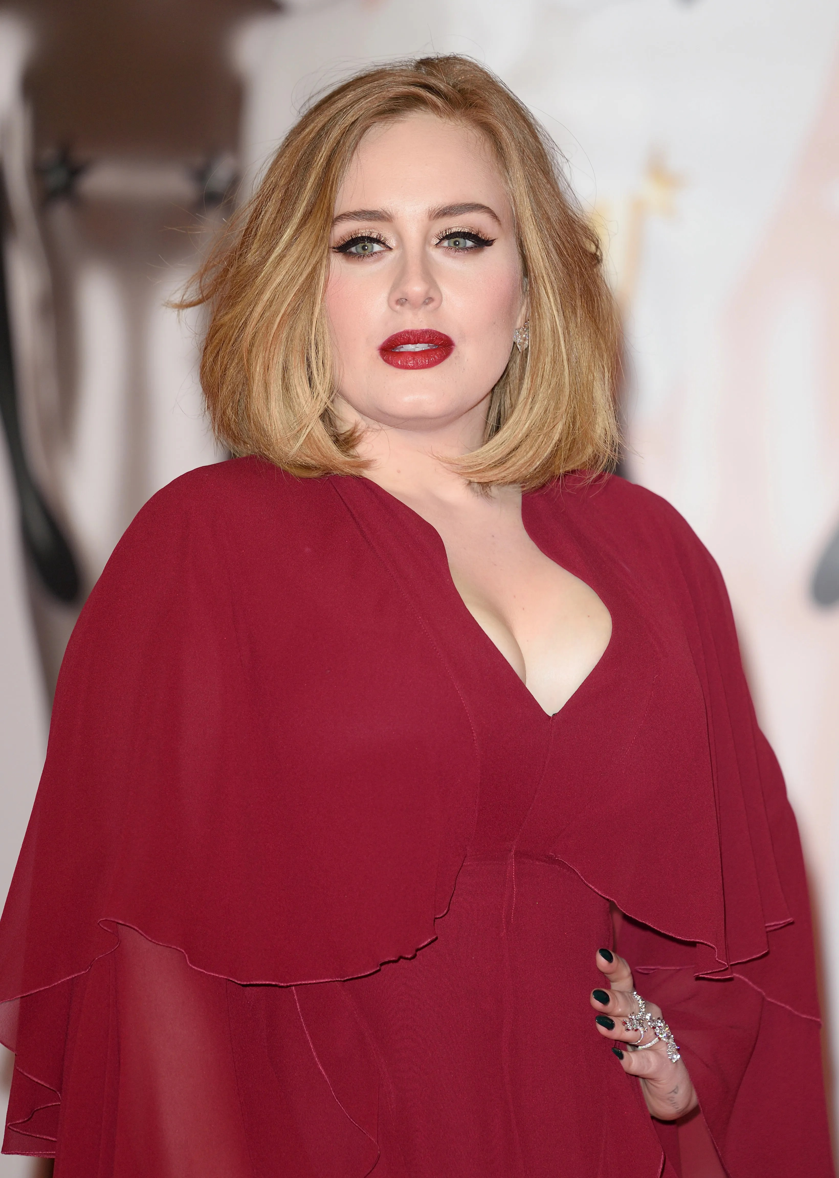 Adele Goes MakeupFree and She Looks Gorgeous  Allure