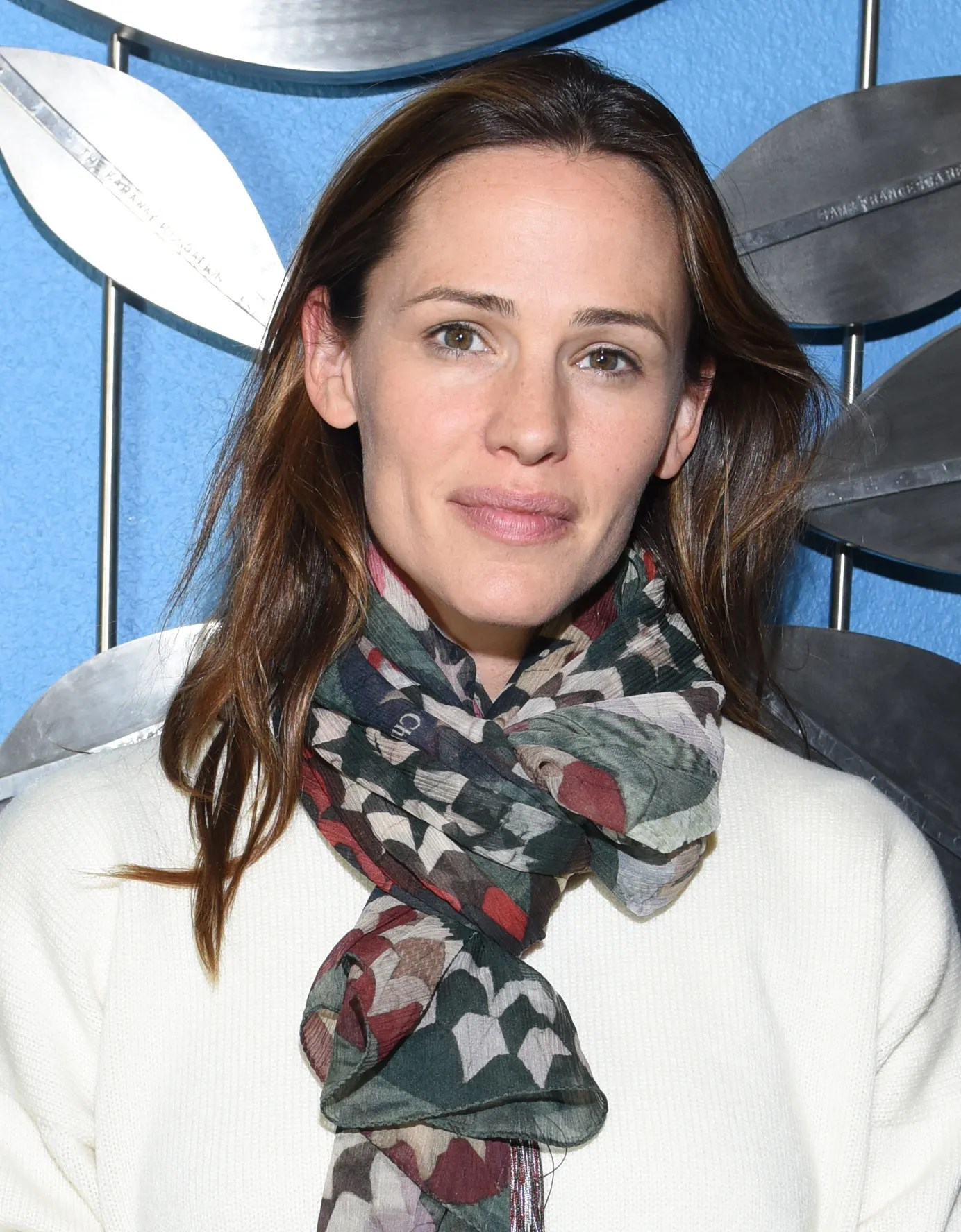 Jennifer Garner Goes MakeupFree on the Red Carpet  Allure