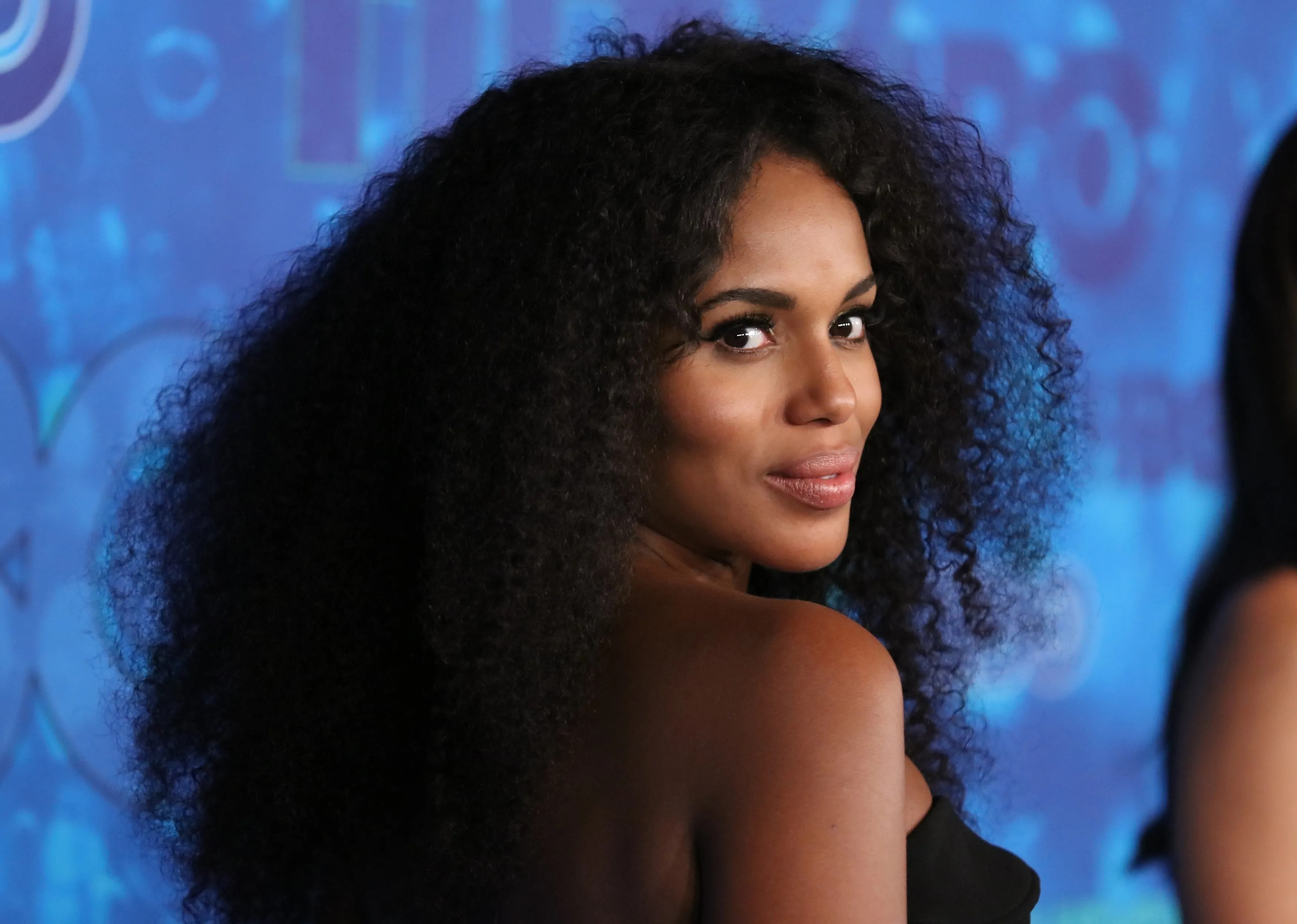The Real Reason Kerry Washington Wears Her Natural Hair  Allure