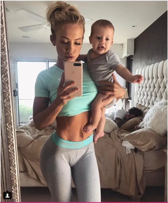 Fitness Blogger Tammy Hembrow Shows Off Her Postpartum