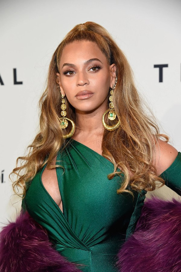 Tina Knowles Settled Debate Beyonc' Real Hair Allure