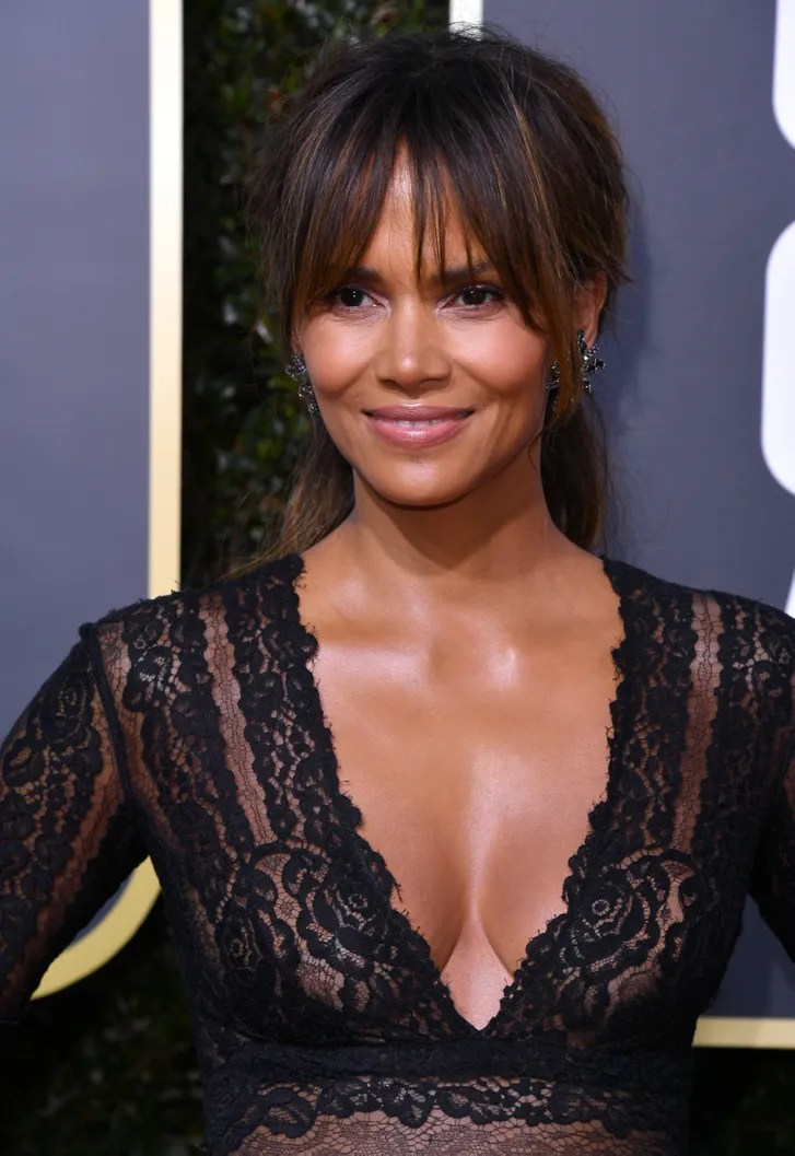 Halle Berrys Clavicle Highlight Is A Choir Of Angels