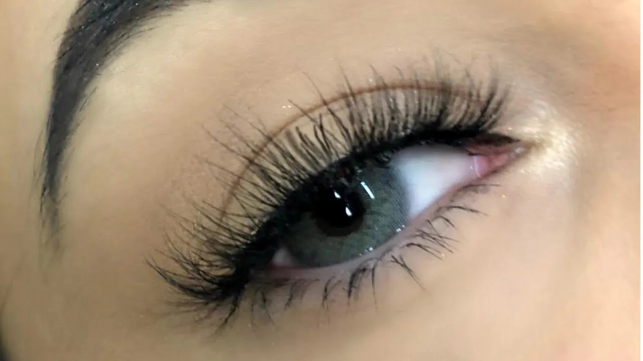 Kara Eyelashes 1 Falsies From Miss A Are Going Viral  Allure
